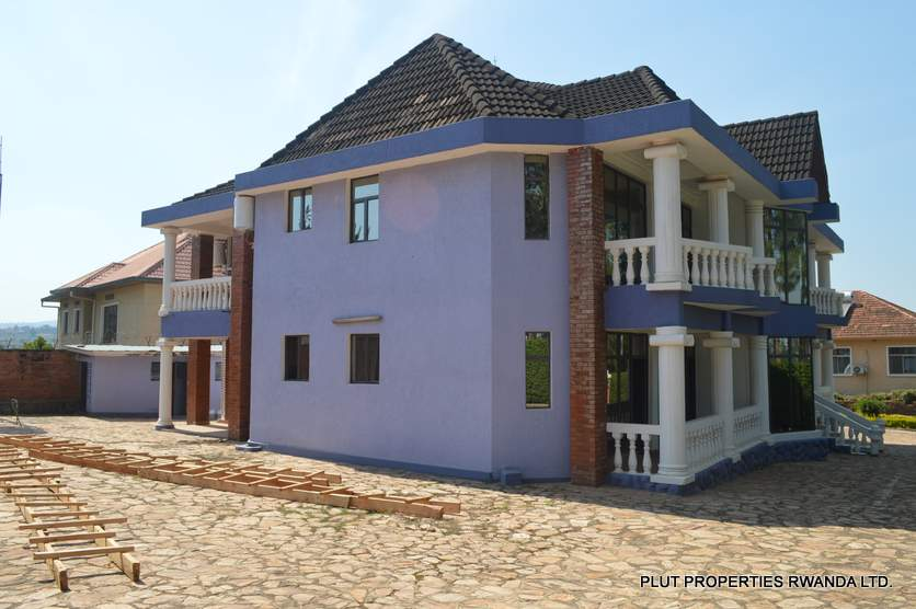 commercial house in nyarutarama